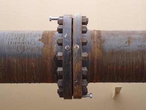 Mặt bích kết nối đường ống thép