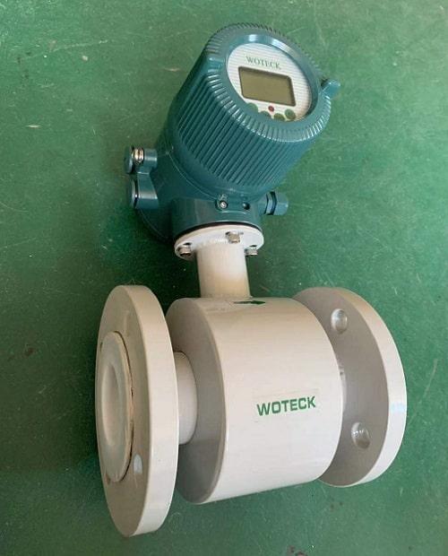 Đồng hồ đo lưu lượng nước kiểu điện từ