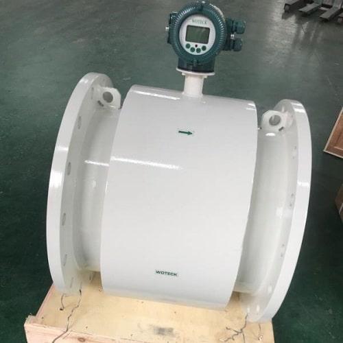 Thiết bị đo lưu lượng nước kiểu điện từ